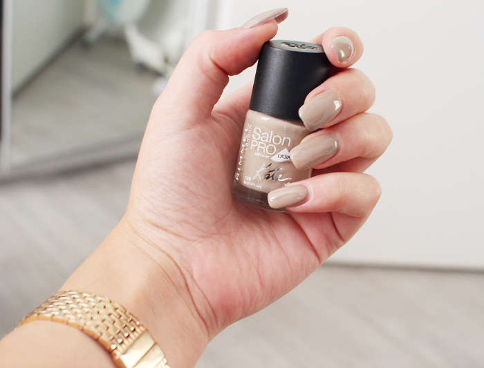 Dare to be nude!